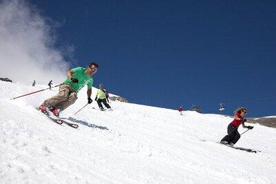 Ook in de zomer kun je lekker (zomer-)skiën